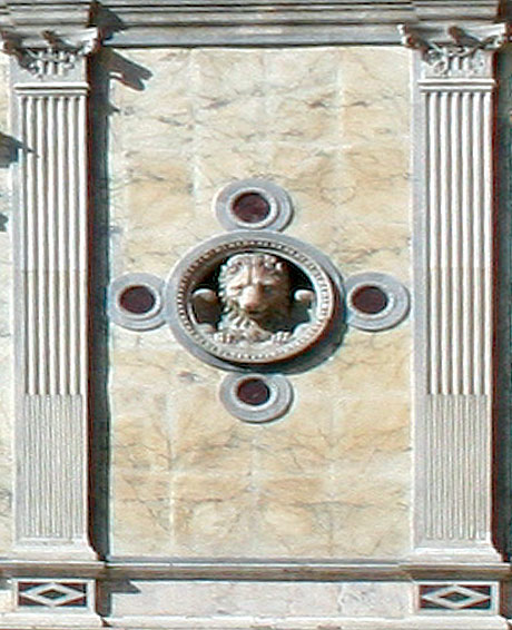 Leul simbol pe ziduri in venetia