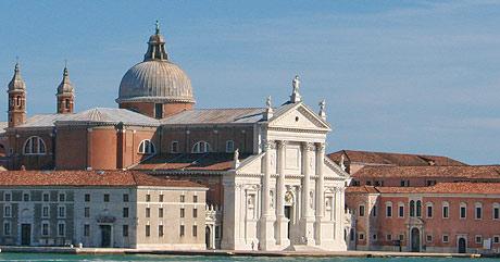 vedere panoramica spre Canal Grande din Veneția